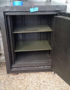 small-antique-fire-safe-used-fire-safe-3