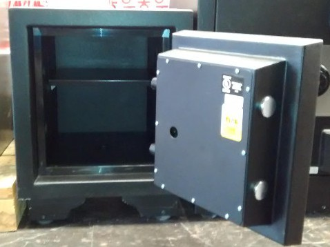 Original Fire and Burglary Safe OFB1413 90 Minute Fire Rated Black Open Door Dimensions Ext 19.5''x18''x20'' Int 14''x12.5''x12.4''